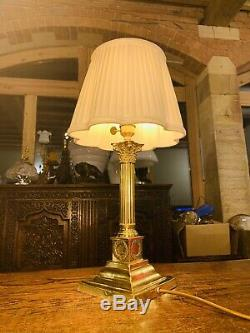 Laiton Antique Corinthian Piliers Colonne Nelsons Lampe De Table Avec Couronnes