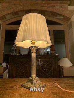 Lampe De Table Corinthienne À Piliers Corinthiens Argentés Hallmarked