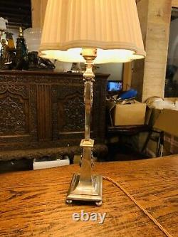 Lampe De Table De Style Classique Plaqué Argent, Décoration De Couronne