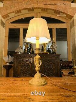 Lampe De Table En Bronze Doré Louis XVI Style, Circa 1850 Rococo