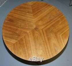 MID Century Modern Bent Plywood Table À Manger Et Quatre Chaises Avec Des Bases Chrome