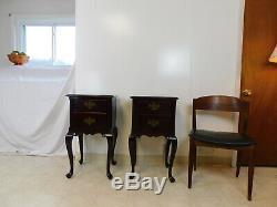 Paire 1940 En Acajou Massif Chippendale Side Tables De Chevet Maddox De New York