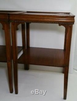 Paire De Bouts De Table En Bois Vintage De Style Chippendale