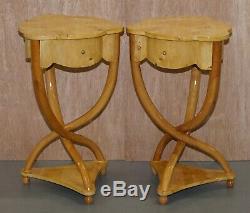 Paire De Burr Maple Richement Sculptée Style Art Déco Unique Tableaux Côté De Tiroir