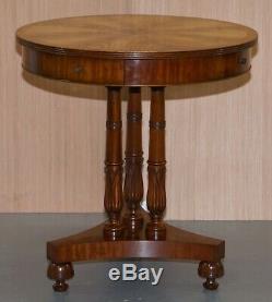 Paire De E. G Hudson Regency Style Tambour Côté Fin Lampe De Vin Tables Inc Quatre Tiroirs