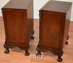 Paire De Tables De Chevet Antiques Chippendale Des Années 1920 / Tables De Chevet