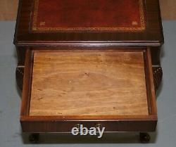 Petite Table D'écriture En Cuir Oxblood Surmontée D'acajou Ou Grande Table De Lampe Latérale