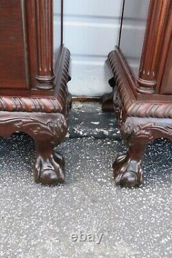 Pieds De Boule Et De Griffe De Chippendale Acajou Paire De Chevets Tables De Fin 2409