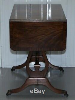 Superbe Grande Table Avec Extension En Acajou Flammé Top, Tiroirs Jumeaux