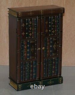 Superbe Paire D'armoires D'étude De Bibliothèque De Faux Livre De Taille De Table De Vin De Lampe De Côté
