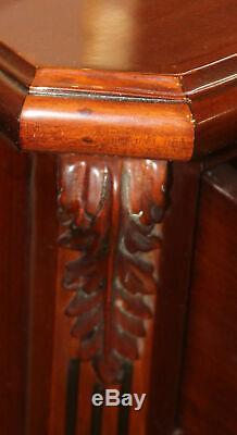 Superbe Paire De Pieds De Chevet En Acajou Chippendale Pied De Nuit Tables Bronze Mint
