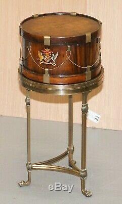 Superbe Petit Côté Table Avec Crests Peint À La Main Armorial Sous Forme De Tambour