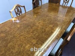 Superbe Table À Manger Burr Walnut Regency Style, Polie Pro Française
