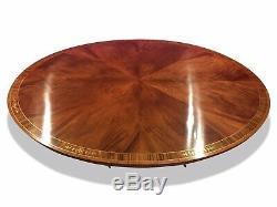 Superbe Table À Manger Ovale En Acajou De 7,3 Pi. Sunburst Flame. Poli Français