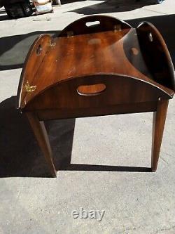 Superbe Table De Café Vintage De Meubles De Baker Chippendale Ahogany Butler