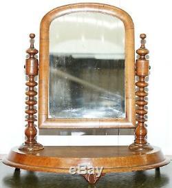 Superbe Table De Toilette De Toilette Au Dessus De Table En Georgian Avec Miroir En Plaque De Noyer