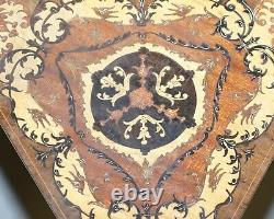 Superbe Vintage Reuge Triangle Musical Side Table Marquetry Incrusté Ornate