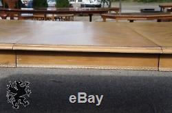 Table À Manger En Chêne Vieilli De Style Chippendale À Jambe De Balancelle Et Boule Griffonnée