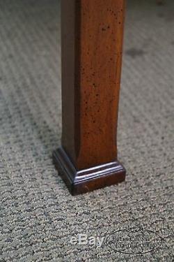 Table Basse Carrée De Style Chippendale En Acajou Et Bois Mixtes