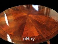 Table Circulaire Exquise En Acajou Flamme Sunburst Pro Polie Français