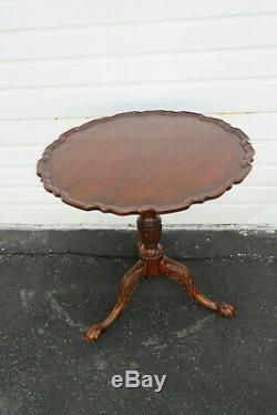 Table D´appoint Centre Au Centre En Acajou Avec Une Croûte De Tarte Ronde Par Henkel Harris 9807