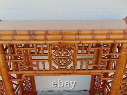 Table D'autel Vintage En Bambou Sculpté Chinois Chippendale Pagoda Console Fretwork