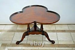 Table De Café Vintage Plateau De Fond En Noyer Massif Clover Feuille Top Balle Et Griffe Jambe