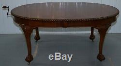 Table De Salle À Manger À Rallonges En Noyer Massif Des Années 1920, Grande Griffe Et Pieds Boule