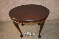 Table Ovale Vintage / Antique En Acajou Massif Sculpté Et Pied De Griffes