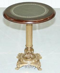 Table Style Régence En Laiton Avec Acajou Et Cuir Vert Top Lampe Vin Side Fin