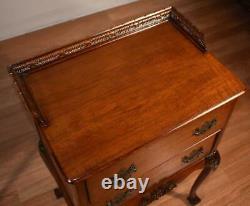 Tables De Chevet Vintage Chippendale En Acajou Des Années 1940 / Tables De Chevet