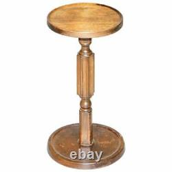 Très Petite Table D'aspect De Vin Edwardien De Lampe De Noix Nice Pilier Cannelé À La Base