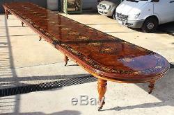 Une Magnifique Table Grand Burr En Noyer De 32 Pieds / 10 Mètres De Classe Mondiale