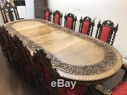Une Très Rare Magnifique Table Antique En Noyer Massif Sculpté, Poli Brillant