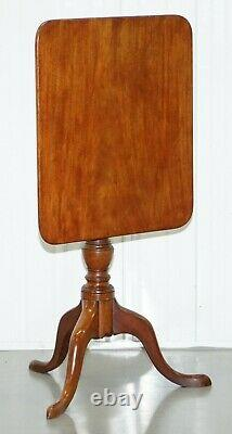 Vers 1860 Trépied Côté Fin Victorienne Lampe De Table En Noyer Avec Tilt Top Fonction