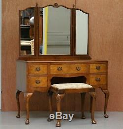 Vers 1930 Noyer De Figured Coiffeuse Et Tabouret Vue Partielle Suite Trifold Miroirs