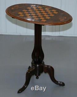 Victoriennes 1880 Noyer Marqueterie Marqueterie Echecs Tilt Top Jeux De Table Ornement Jambes
