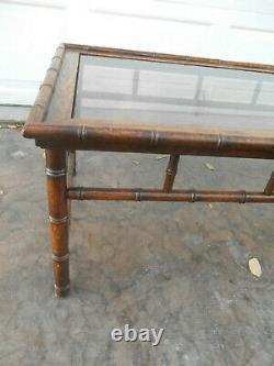 Vintage 1960 Table En Chêne Massif Faux Bambou Chippendale Café Avec Plateau En Verre Fumée