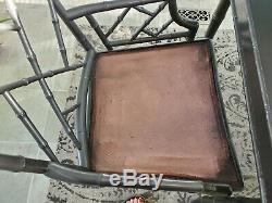 Vintage 2 Chaises Chippendale Chinois Avec Table De Concordance