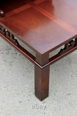 Vintage Asiatique Chinoiserie Chippendale Fretwork Step Table Latérale Hollywood Regency