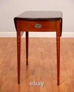 Wallace Nutting Table Ovale De Feuilles De Goutte